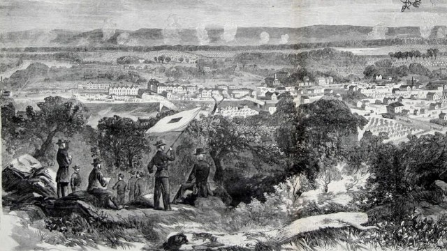 Union troops camped outside Chatanooga