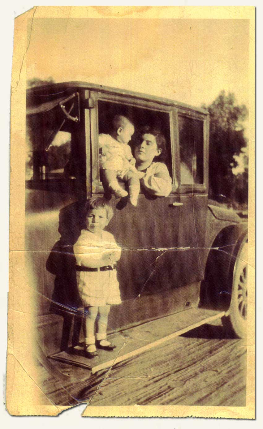 Ida, Consuelo and Peter Stoltz