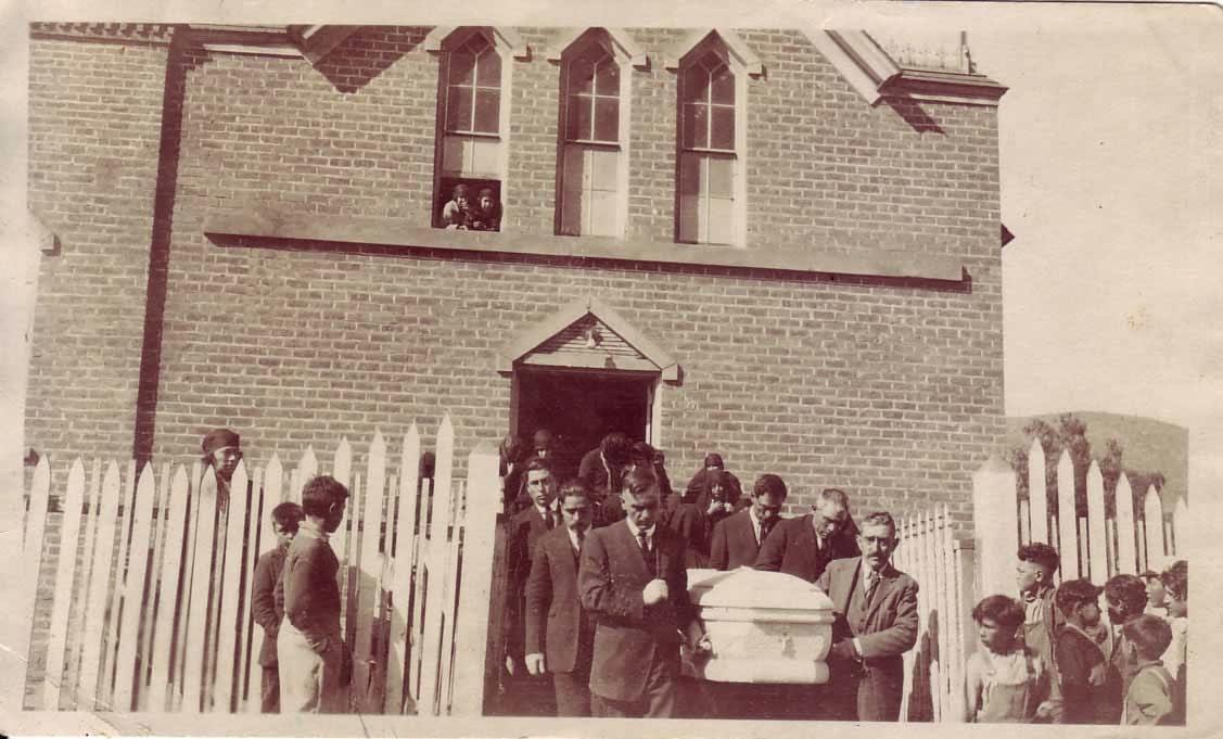 Funeral of Rosario Moraila de García, 1924