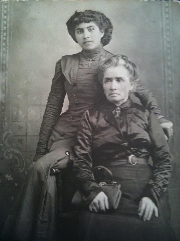 Rose and her mother Rosario (Moraila) García